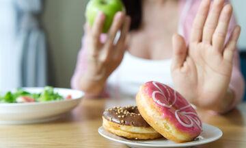 7 τρόποι για να περιορίσετε την κατανάλωση ζάχαρης (vid)