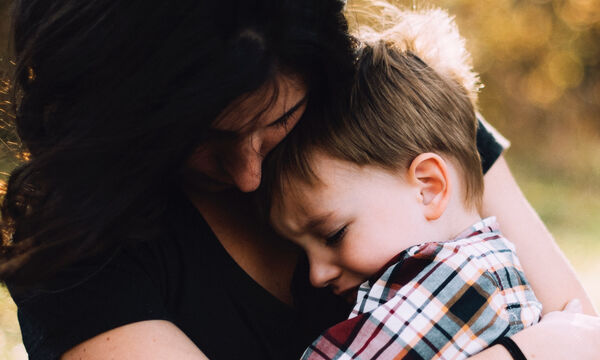 6 λάθη που κάνεις και μπορεί να βλάψουν την υγεία του παιδιού σου (vid)