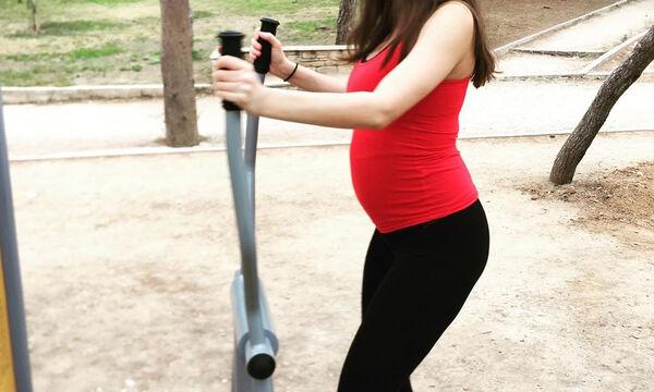 Γυμνάζεται στον 5ο μήνα της εγκυμοσύνης της: «Μετά τη μάσα και λίγη γυμναστική ρε παιδί μου» (pics)