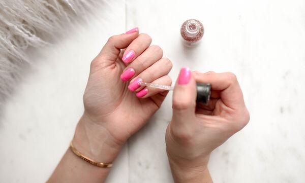 Τα τέλεια tips για να στεγνώσουν τα νύχια σου αμέσως