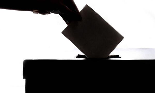 Ψήφος στα 17: Ξέρεις ότι πρέπει να ψηφίσεις κι εσύ σήμερα; Όλες οι προϋποθέσεις