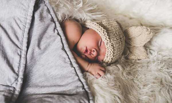 Ακούστε πόσο γρήγορα χτυπά η καρδιά του εμβρύου! (vid)