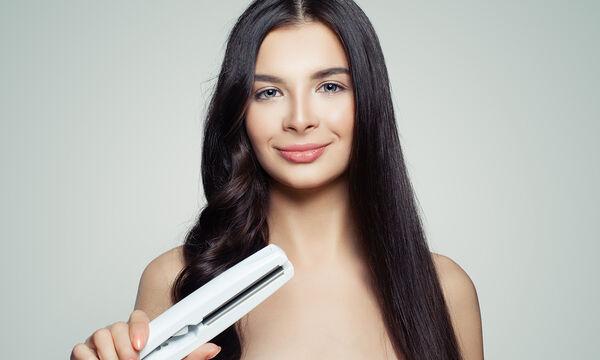 Έτσι θα ισιώσετε τα μαλλιά σας με φυσικό τρόπο χωρίς πιστολάκι ή ισιωτικό! (vid)