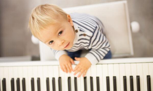 5 τρόποι για να ανακαλύψετε και να ενισχύσετε το ταλέντο του παιδιού σας (vid)