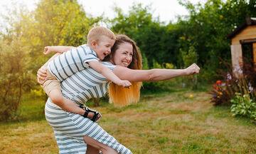 Τρεις φράσεις για να έχετε καλύτερη επικοινωνία με το παιδί σας