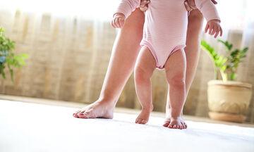 Τα πρώτα βήματα του μωρού - Tips για να το βοηθήσετε από τον 4ο κιόλας μήνα (pics)
