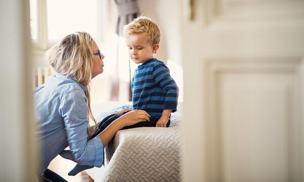 Τέσσερα σημάδια καθυστέρησης λόγου και ομιλίας του παιδιού (vid)