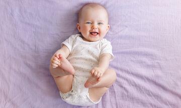 5+1 σημάδια που δείχνουν ότι έχετε ένα ευτυχισμένο μωρό (pics)