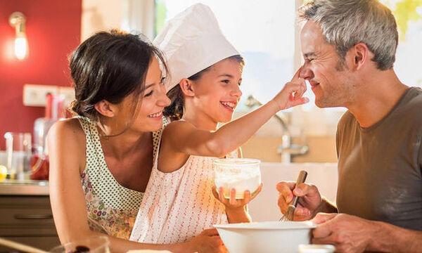 Πέντε πράγματα που ένας γονιός πρέπει να κάνει καθημερινά για την οικογένειά του (pics)