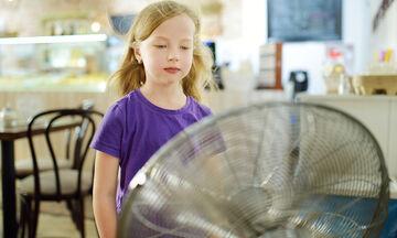 Παιδί και καύσωνας: Πώς θα αντιμετωπίσετε τη ζέστη και τις υψηλές θερμοκρασίες